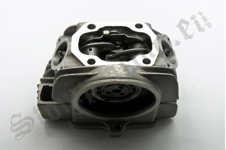 Hlava motoru YX 140