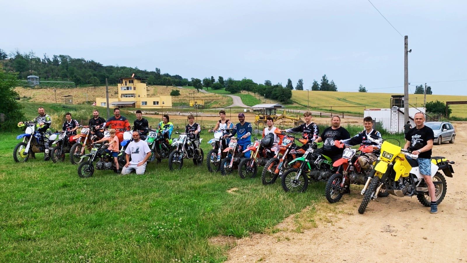 letni soustredeni mxa prerov moto adamek pitbike motocross